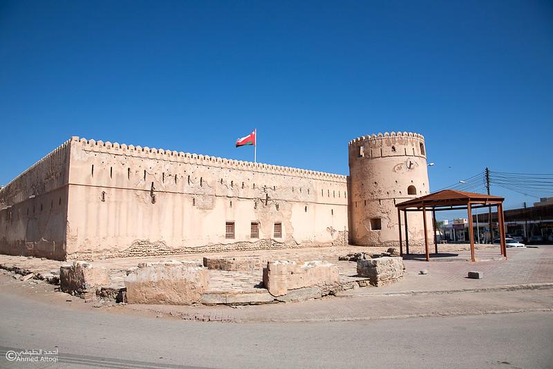 Qurayat castle 1- Oman.jpg