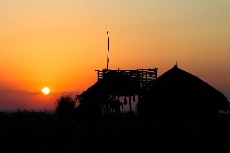 2009-35 Milha26, Dondo - Sunset in Africa.