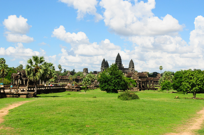 2013_Angkor_Wat_July   0016.JPG