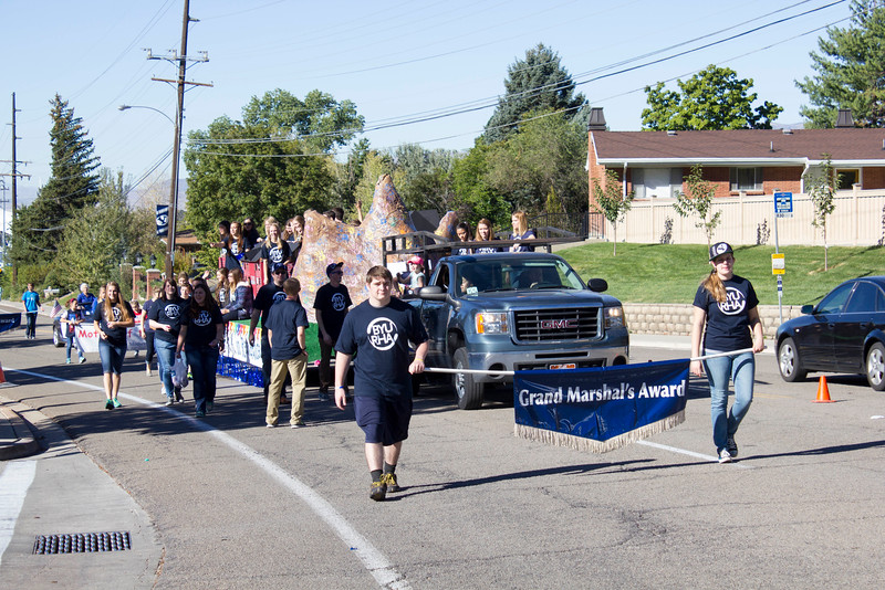 2015_10_10_Homecoming_Parade_7726.jpg
