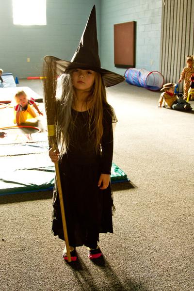 10-27 Preschool Halloween-2007.jpg