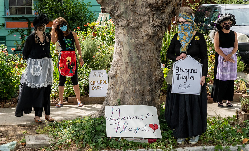 17_Raging Grannies Protest Police Brutality_DSC2234.jpg