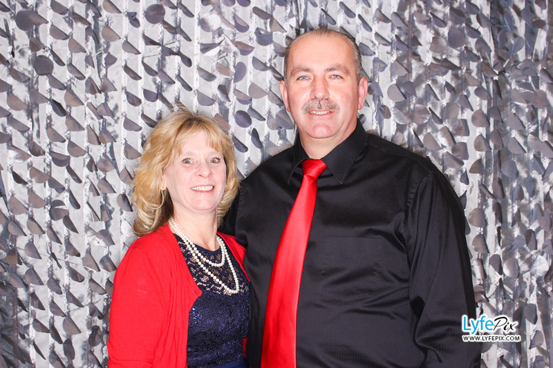 red-hawk-2017-holiday-party-beltsville-maryland-sheraton-photo-booth-0142.jpg