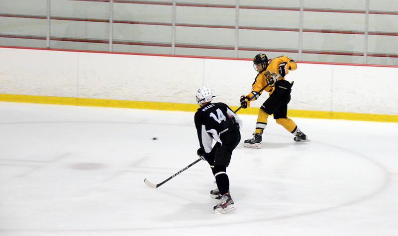 140913 Jr. Bruins vs. 495 Stars-092.JPG