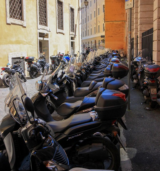 AITALY 2015,10 446A,  a half milion motorcycles are in Rome.jpg