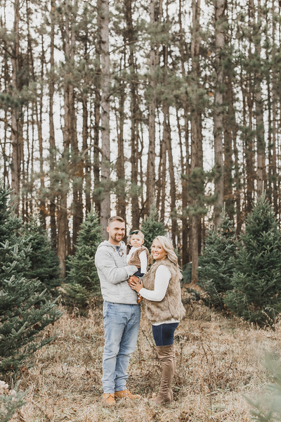 McVeigh Family | Williams Tree Farm Winter Sessions