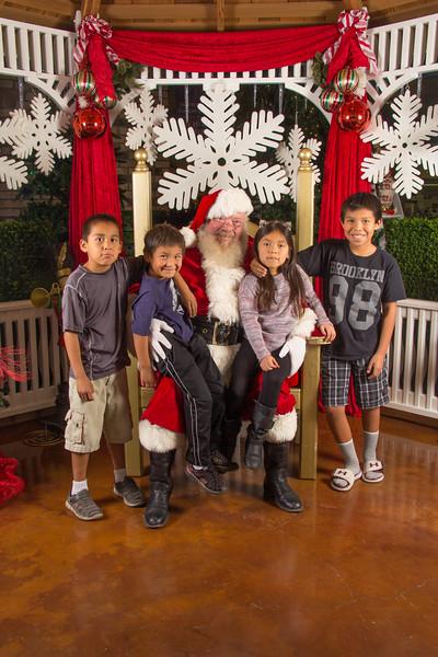 Santa 12-16-17-221.jpg