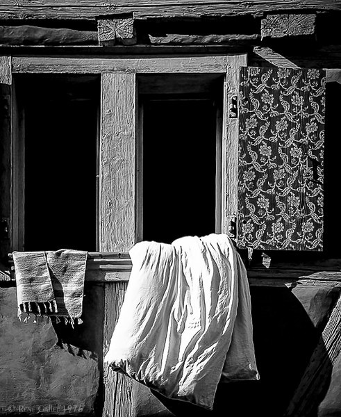 """'Airing Linen' Munich, Germany  Matted 16""""x20"""", on Luster Photo paper (12 mil)  © 1976 René Gallet"""
