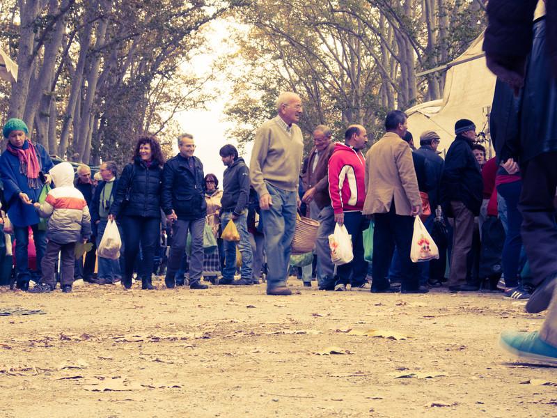 market crowd.jpg