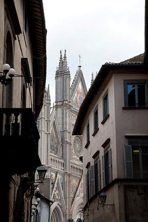 Gallery Thirteen  Italy