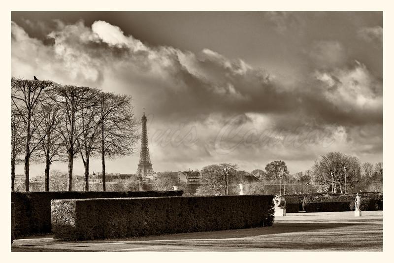 Louvre_20141216_0084-B&W.jpg