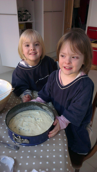 Girls in the kitchen: Making a cheesecake