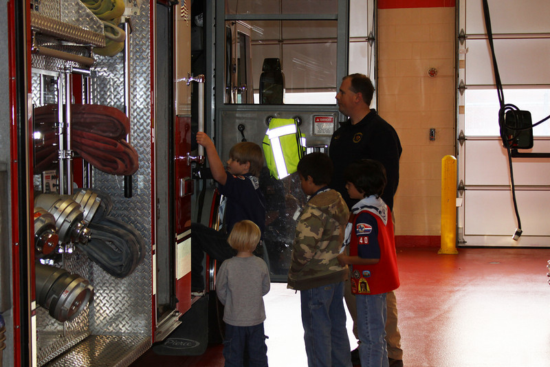 091203_Scouts_FireStation_0025.JPG
