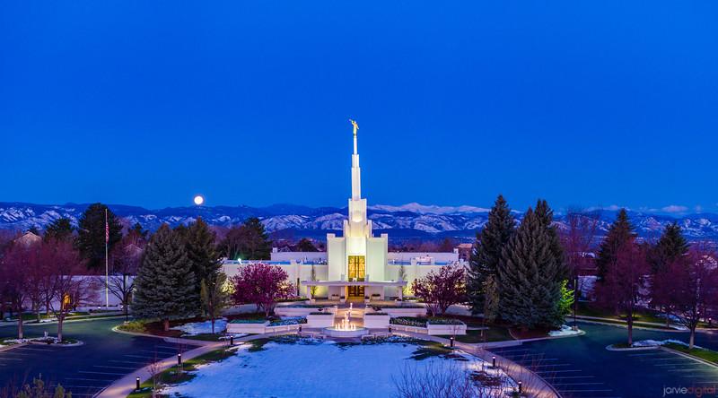 Denver LDS Temple - Moonset