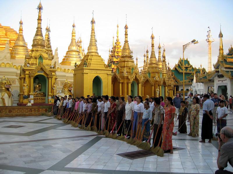 Burma 2003-62.jpg