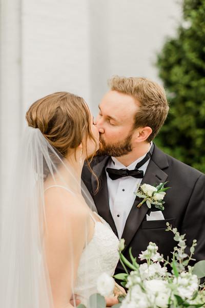 428_Ryan+Hannah_Wedding.jpg
