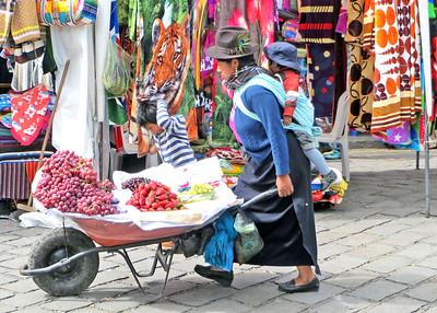 Mercados, Markets and Plazas