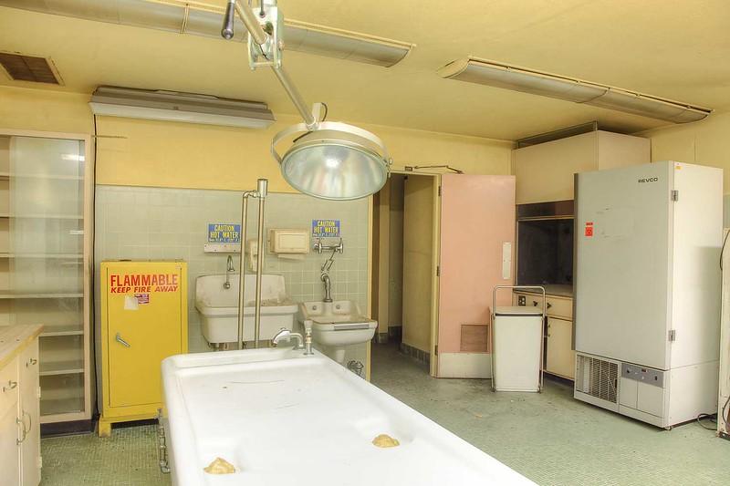 hospital_morgue_135_int3.jpg