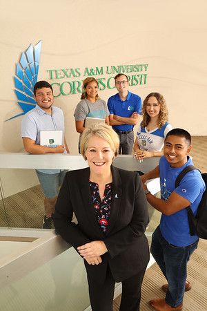 Dr. Kelly Quintanilla with Students