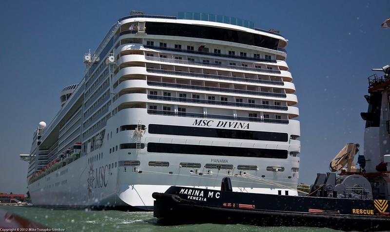 A big cruise ship