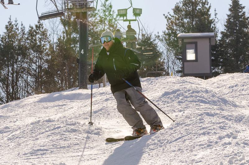 Slopes_1-17-15_Snow-Trails-73870.jpg