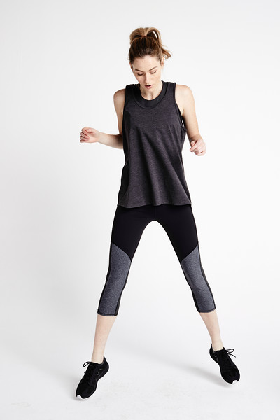 NF0A3LMM-8ES__W Contoured Tech Tight_Full Body Active_Tier2WomensLeggings_S18_0141.jpg