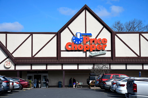 3/21/2020 Mike Orazzi | Staff Price Chopper in Bristol on Saturday morning.