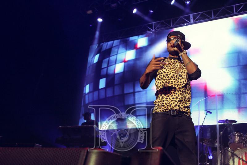 Wild Jam 2013 Nessa, Chris Brown, John Hart, Trey Songs Wild 949 404.jpg