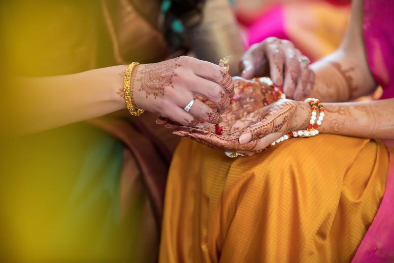 Hina_Pithi_Pooja-138.jpg