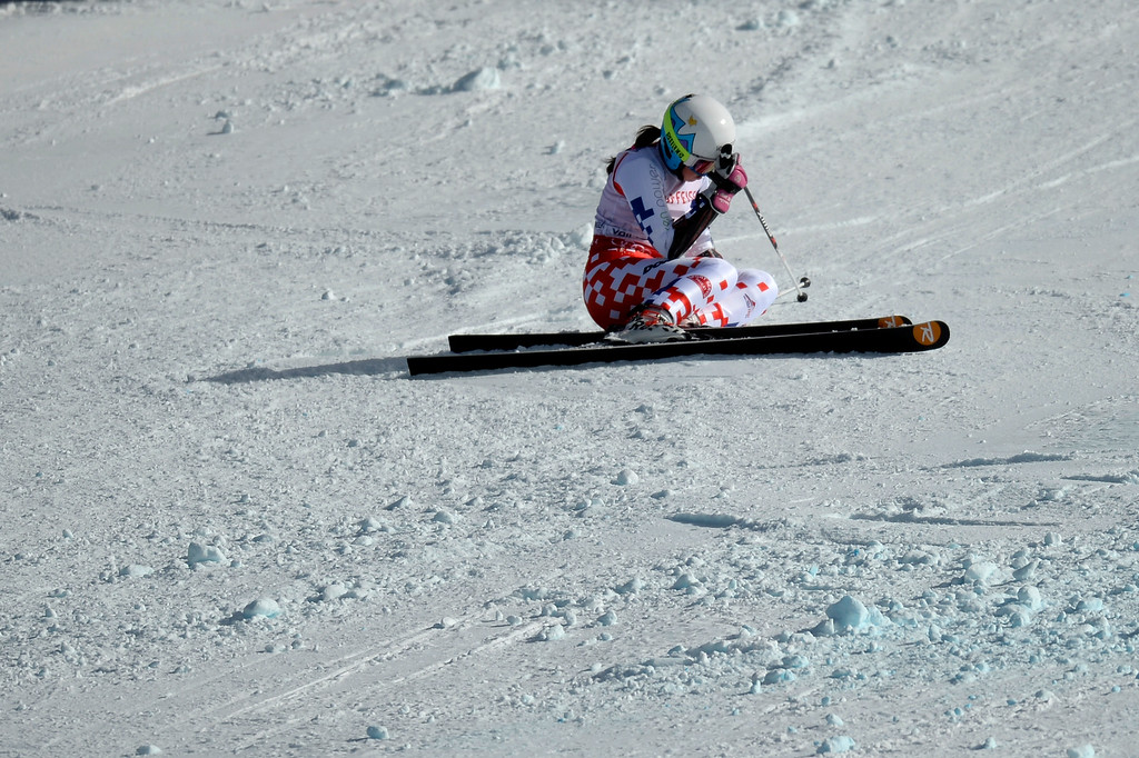 . BEAVER CREEK, CO - FEBRUARY 12: Katerina Paulathova of the Czech Republic wrecks during the ladies\' giant slalom. FIS Alpine World Ski Championships 2015 on Thursday, February 12, 2015. (Photo by AAron Ontiveroz/The Denver Post)