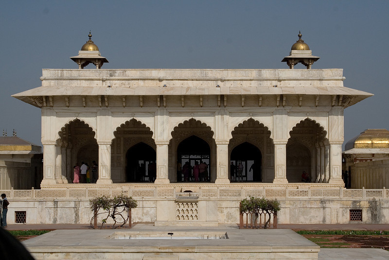 Palace inside the Fort 2.jpg