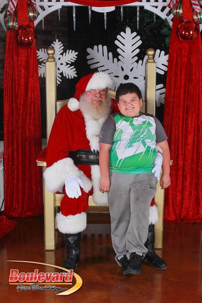 Santa 12-17-16-70.jpg
