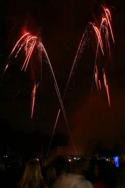 2007_1102putneyfireworks091_edited-1.JPG