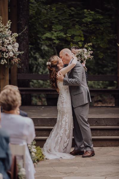 2018-05-12_ROEDER_JulieSeth_Wedding_ROEDER2_0050.jpg