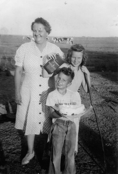 WithGrandmaNancy1944.jpg