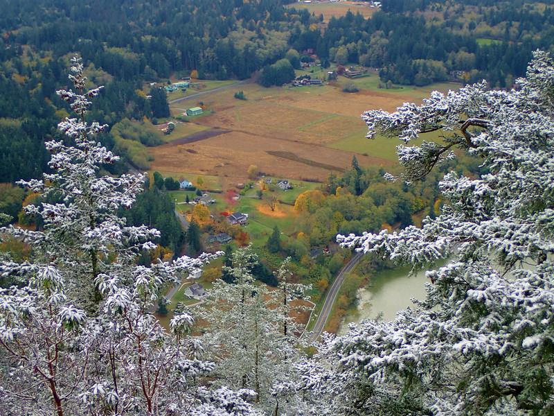 PB030048  snow above, Fall colors below.jpg