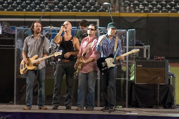 2005-08-27 Live @ BankOne Ballpark