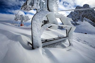 Extreme deep snow and hard rime at mt. Kanin