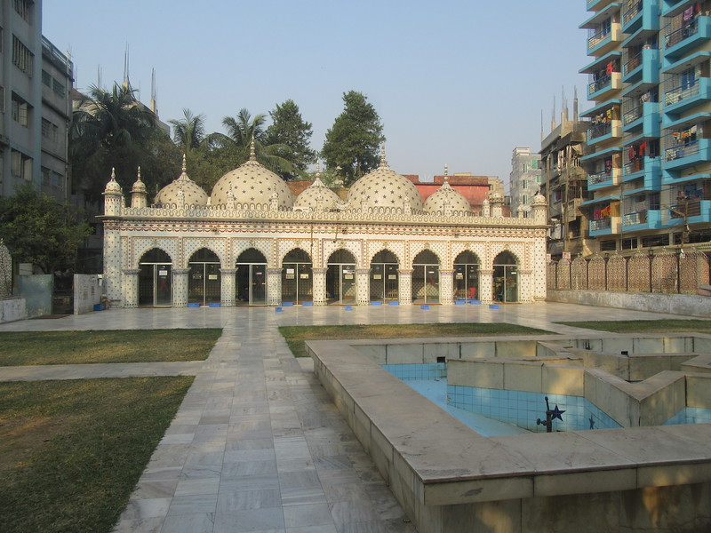 025_Old Dhaka. The Star Mosque. Tara Masjid. Early 18th Century.JPG