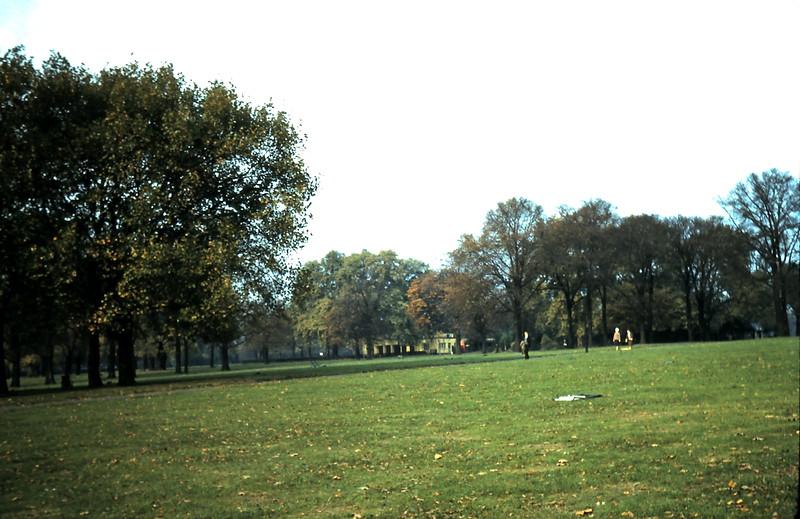 1959-11-1 (4) Ryde Park, London.JPG