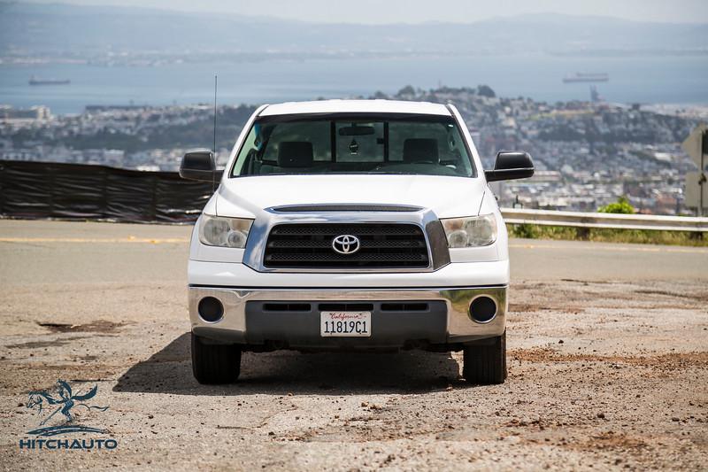 Toyota_Tundra_White_11819c1-6421.jpg