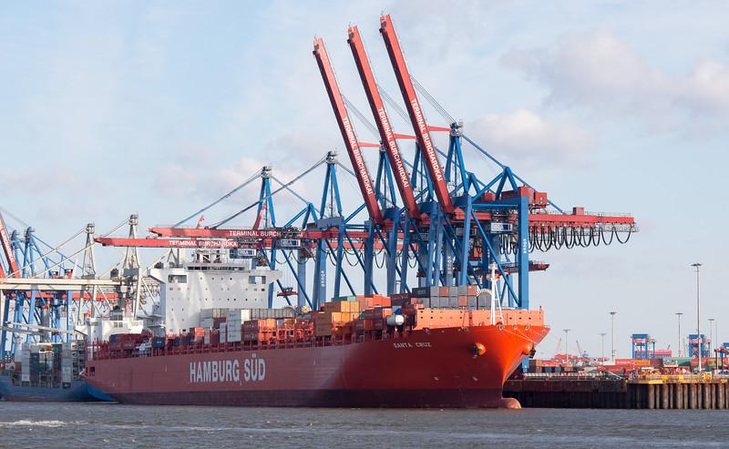 Containerschiff am Athabaskakai