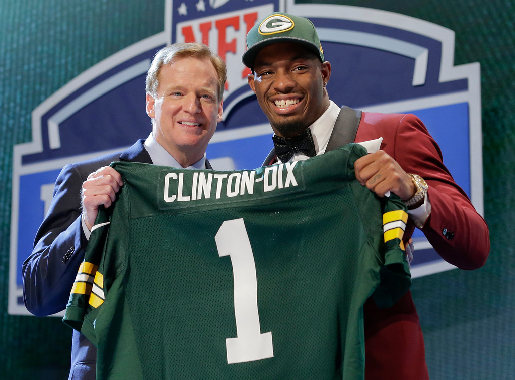 . Alabama free safety Haha Clinton-Dix poses with NFL commissioner Roger Goodell after being selected by the Green Bay Packers as the 21st pick in the first round of the 2014 NFL Draft, Thursday, May 8, 2014, in New York. (AP Photo/Craig Ruttle)