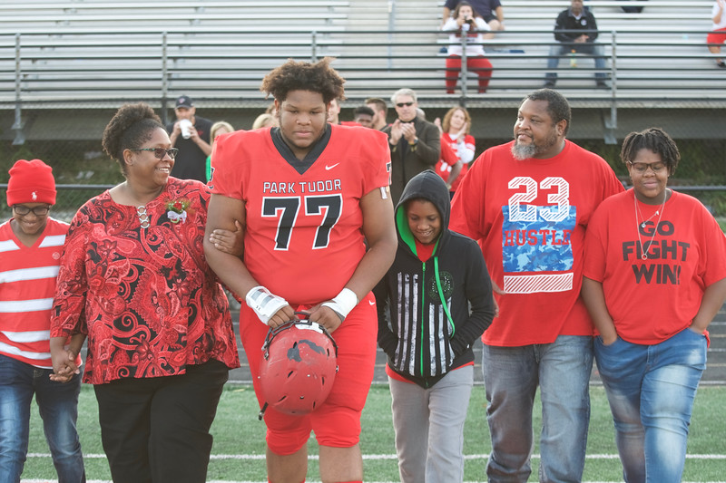 2018_09_28_FootballSeniorNight011.jpg
