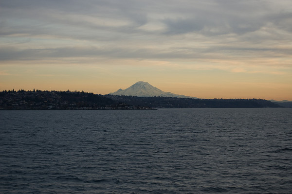 mt rainier evening